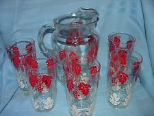 Vintage Clear Glass Juice Pitcher Red/White Grapes Pattern Retro Style & Glasses
