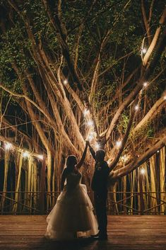 39 Wedding Light Ideas That Glow Magnificent ❤ wedding light ideas tree with lamp matthewevansphotography #weddingforward #wedding #bride
