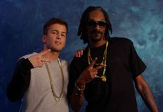 """David Carreira and Snoop Dogg. David Carreira announced that his next album will include a duet with Snoop Dogg. The revelation was made by the singer, the son of Tony Carreira on their official Facebook page.  On the same page, David says that the single with """"Uncle Snoop Dogg» is the second of his next album and the video will be recorded this Thursday and Friday in Lisbon. The next album David Carreira edition has planned for the month of October."""