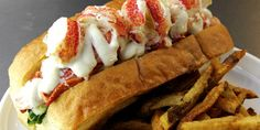 Lobster Roll Here's a link to the recipe for the SJ Alehouse lobster sandwich. I can't wait to try it out the next time I get some live lobster… www. Lobster Roll Recipes, Seafood Recipes, Lobster Rolls, Lobster Sandwich, Lobster Salad, Empanadas, Burritos, Live Lobster, Kitchens