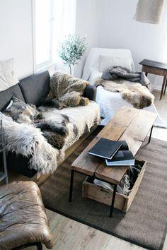 Comment Recouvrir Un Canape D Angle Avec Des Plaids Recherche Google Plaid Fourrure Deco Salon Cocooning Idee Deco Appartement