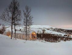 Split View Mountain Lodge by Reiulf Ramstad Arkitekter