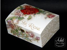 Discover thousands of images about Decoupage box Decoupage Vintage, Decoupage Glass, Decoupage Box, Wood Crafts, Diy And Crafts, Altered Cigar Boxes, Chalk Paint Projects, Newspaper Crafts, Tea Box