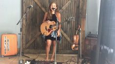 Cute girl kills live looping cover of Coolios Gangstas Paradise (Video) Gangsta's Paradise, Acoustic Music, Trending Videos, Hottest Photos, Cute Girls, Cover, Camera Phone, Soul Food, Musicians