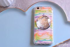 DIY Phone Cases: 8 Trendy and Easy Looks - Rosyscription Learn how to make your own DIY phone case using clear cell phone cases. Jump on any trend and change out the look easily with this method! Cheap Cell Phone Cases, Cheap Cell Phones, Used Cell Phones, Diy Phone Case, Make Your Own, Make It Yourself, Fun Projects, Easy Crafts, Supply List