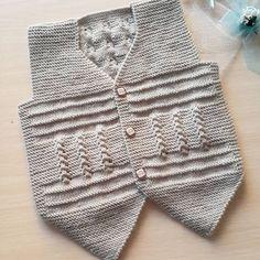 İyi akşamlarrr hanımlar.. ✴✴ . #yelek #yelekmodelleri #handmade #örgüaşkı #orgugram #örgüterapim #yelekler #hamile #yenidogan #handcraft #deryabaykal #deryaligunler #isinsirrideryada #10marifet #gaziantep #knittinglove #kitting #knitting #crochet #craft #erkekbebek #hosgeldinbebek #Örgüler #elişi #bebekörgüleri #popcorn #avciyelegi