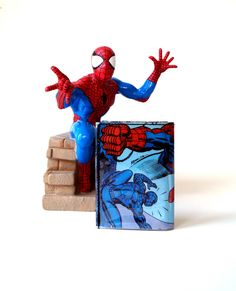 SPIDERMAN Portemonnaie Comic upcycling Unikat! PauwPauw Brieftasche, Geldbörse, Geldbeutel Superheld Marvel Comic wallet handmade in Berlin von PauwPauw auf Etsy