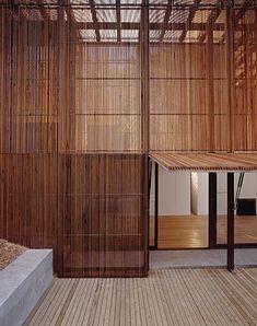 Timber Screens - Sean Godsell Peninsula8.jpg