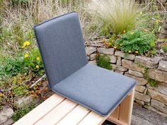 Komfortable Outdoor - Sitzschale, die jede Gartenbank mit Polster und Rückenlehne ausstattet.