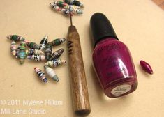Seal and colour your handmade recycled paper beads in one step with nail polish. Now you can make jewelry that will match your manicure! Paper Beads Tutorial, Paper Beads Template, Make Paper Beads, Paper Bead Jewelry, How To Make Beads, Jewelry Crafts, Beaded Jewelry, Handmade Beads, Handmade Jewelry