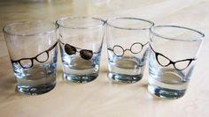 Verre à shot avec motif lunettes