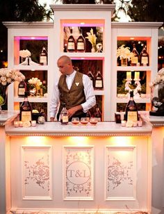 chic bar set up for outdoor wedding #wedding