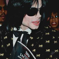 michael jackson posts - I'm Just simply Michael Jackson Rare Pictures, Rare Photos, Michael Jackson, Mike Jackson, King Of Hearts, Thriller, Dancer, Pop, Joseph