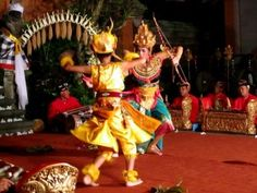 Traditional Balinese Dance in Ubud – Bali « Private Tour Driver Bali Island
