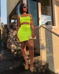Neon Dresses, Short Dresses, Night Outfits, Casual Outfits, Nicki Minaj Outfits, Romantic Dates, Pretty Black, African Beauty, Foto E Video