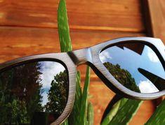 """⚡AKTION⚡ LIKO """"SLIM"""" (Größe M) 💰 Nur 69€ 🎋 Hergestellt vom Riesenbambus ⚫ Schwarz verspiegelt ✅ Polarisiert mit UV400 Schutz ✅ Federscharniere 🌊 Unsinkbar (Schwimmende Sonnenbrille) - Unisex: 👩🏽👨🏽 Für Damen und Herren. Aktion Gültig nur für kurze Zeit Shades, Unisex, Glasses, News, Swimming, Action, Bamboo, Sun, Eyeglasses"""