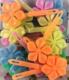 Neon Flower Kids Barrettes - All For Hairstyles Neon Flowers, Girl Hairstyles, Toddler Hairstyles, Twist Braids, Girls Hair Accessories, Resin Jewelry, Pink Hair, Little Girls, Natural Hair Styles