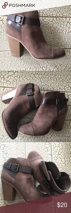 Suede ankle bootie Brown ankle bootie. Size 7 but they fit like a 6.5. Gently worn. Shoes Ankle Boots & Booties