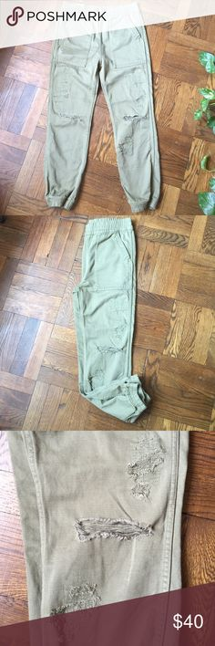 "Distressed Joggers Soft, broken in feel and all around chic. Pull these on any time of year and go! Deep front pockets and back flap pockets. 26: 15"" waist and 26.5"" inseam. 27: 15.75"" waist and 26.5"" inseam H&M Pants Track Pants & Joggers"