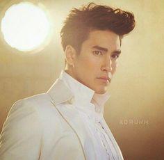 Надич Кугимия ณเดชน์ คูกิมิยะ Nadech Kugimiya Young Elvis, Adopting A Child, Thai Model, Elvis Presley, Eye Candy, Crushes, Handsome, Singer, Bacchus