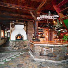 Búbos kemence- belül biztosan samott tégla rejtőzik! Firewood, Stove, Gazebo, Bbq, Outdoor Structures, Table Decorations, Traditional, Outdoor Decor, House