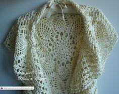 Colete/Casaco de crochet - Modelo circular. Encomenda da Laura - RJ - Um branco e um marfim. Fio Camila Fashion cor 275, fio duplo e agul...