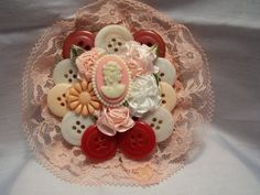 Victorian Button Brooch | 4everbeads - Jewelry on ArtFire - $10.50