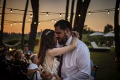 Bulbs strings under trees, weddings in tuscany