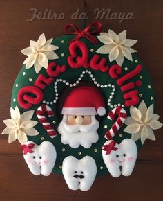 ✩ Check out this list of creative present ideas for beginners and freaks who are into fitness Felt Christmas, Merry Christmas, Christmas Ornaments, Gifts For Dentist, Dental Art, Fitness Gifts, Xmas Decorations, Diy And Crafts, Presents