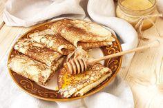 Sainte-Moor on rye - Healthy Food Mom Apple Recipes, Gourmet Recipes, Pannekoeken Recipe, Good Food, Yummy Food, Crepe Recipes, Pancakes And Waffles, Crepe Cake, Food Cakes