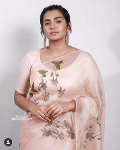Cute Beauty, Beauty Full Girl, Beauty Women, Beauty Girls, Beautiful Saree, Beautiful Indian Actress, Beautiful Girl Hd Wallpaper, Grace Beauty, Beautiful Girl Image