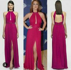 ef5cdda6b8 Marina Ruy Barbosa usouve vestido longo pink de decote profundo e mega  fenda custa cerca R
