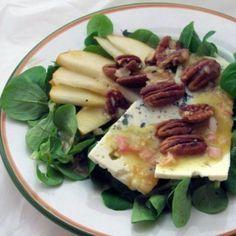 insalata di songino pere formaggio e noci