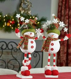 31 The Best Santa Claus Decorations For Your Home Snowman Christmas Decorations, Ceramic Christmas Trees, Decorating With Christmas Lights, Felt Christmas Ornaments, Gingerbread Decorations, Christmas Elf, Rustic Christmas, Christmas Earrings, Holiday Crafts