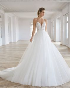 Princess-style wedding dress in beaded lace. Deep-plunge neckline and low back with detachable tulle train. Princess Style Wedding Dresses, New Wedding Dresses, Bridal Dresses, Wedding Dresses Pinterest, Stylish Gown, Bridal Reflections, I Dress, Shirt Dress, Dress Collection