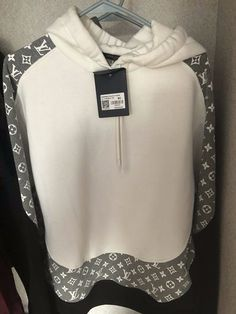 Louis Vuitton Mens Shirts, Louis Vuitton Hombre, Ropa Louis Vuitton, Louis Vuitton Cap, Louis Vuitton Clothing, Nike Clothes Mens, Fashion Outfits, Anime Outfits, Fashion Trends