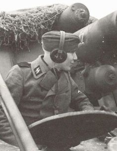 A Nashorn with the 9th Waffen SS Panzer Division ' Hohenstaufen '