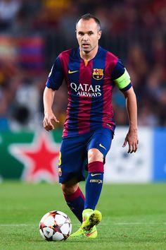 Andrés Infesta - o clássico capitão do Barça e da seleção espanhola é um jogador completo, passes e domínios espetaculares. #iniesta #barça #espanha
