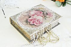 Wedding Jewelery Box Bride Woman Anniversary Birthday by Selenarte Romantic Roses, Treasure Chest, Decoupage, Jewelery, Birthday Gifts, Decorative Boxes, Anniversary, Bride, Woman