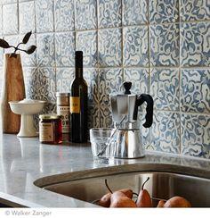 Tabarka Studio's Duquesa Fatima Pattern in Mezanotte. Blue Kitchen Tiles, Kitchen Backsplash, New Kitchen, Kitchen Decor, Kitchen Dining, Shabby Chic Kitchen, Bohemian Kitchen, Küchen Design, Interior Design