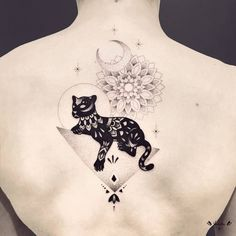 Violette Chabanon's blackwork tattoo designs often depict marvelous animals and plants combined with highly contrasted and detailed graphic patterns which give them an abstract touch.