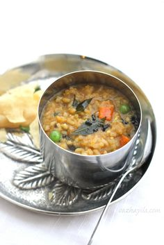 Sambar Rice by Vashayila.com: A delicious, comforting South Indian rice, lentil and vegetable stew.  #Rice #Sambar_Rice #Vazhayila_com #Indian #Vegetable_Stew #Lentil