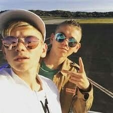 Time for a selfi Dream Boyfriend, Bff Tattoos, You Are My Life, I Go Crazy, Cute Twins, Love U Forever, Dere, M Photos, Normal Person