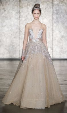 4684a8d400d3 The 9 Fall 2018 Wedding Dress Trends Brides Need to Know