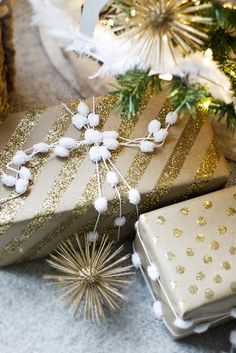 Kraft paper and glitter wrapping paper... cute!