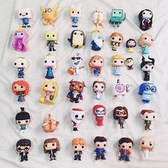 Um amor chamado Pop! ✨ Na foto estão meus bonecos ➕ coleção da @babiraposo Qual o seu personagem favorito? #popfunko #funko #toyart