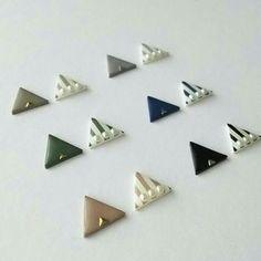 Polymer Clay Earrings, Diy Earrings, Earrings Handmade, Tatting Jewelry, Resin Jewelry, Shrink Plastic Jewelry, Safety Pin Earrings, Resin Charms, Art Plastique