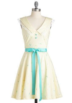 Let your fashionable fancies take flight with this charming frock by Nishe! Polly Siu's Hong Kong-based brand uses an artistic eye to create fun, feminine pieces like this butter-yellow dress. It's Chelsea collar, lace trim, and beautiful butterfly embroidery will have your heart all aflutter.