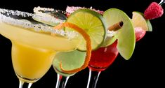 A margarita is a cocktail consisting of tequila, triple sec and lime, lemon juice.interesting things that you maybe didn't know about margarita cocktail. Party Drinks, Cocktail Drinks, Fun Drinks, Yummy Drinks, Cocktail Recipes, Yummy Food, Margarita Cocktail, Margarita Party, Beverages