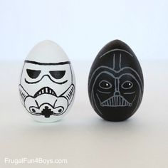 Darth Vader and Stormtrooper Easter Eggs made by Sarah Dees easter images Terrific Star Wars Easter Eggs Funny Easter Eggs, Disney Easter Eggs, Easter Egg Crafts, How To Make Stars, Star Wars Crafts, Easter Egg Designs, Egg Art, Egg Decorating, Darth Vader
